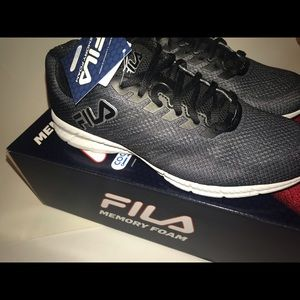 Fila Windracer 3, Running Shoe, NIB, 9.5 Women NWT